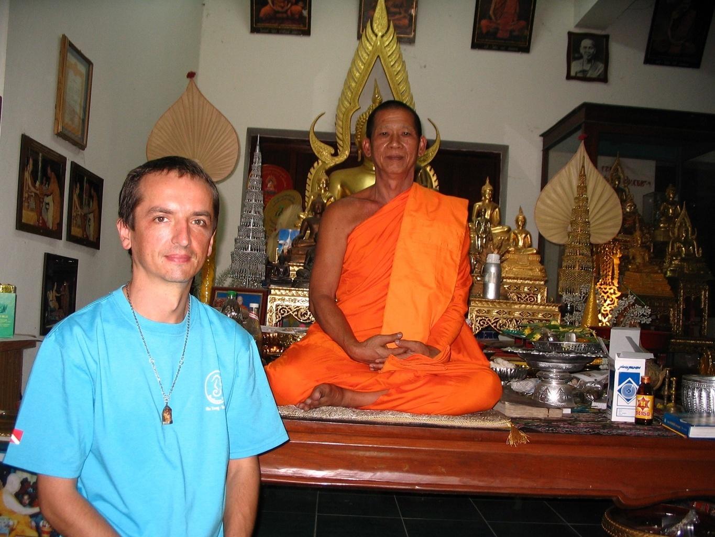 Opat kláštera WAT HUA DONG