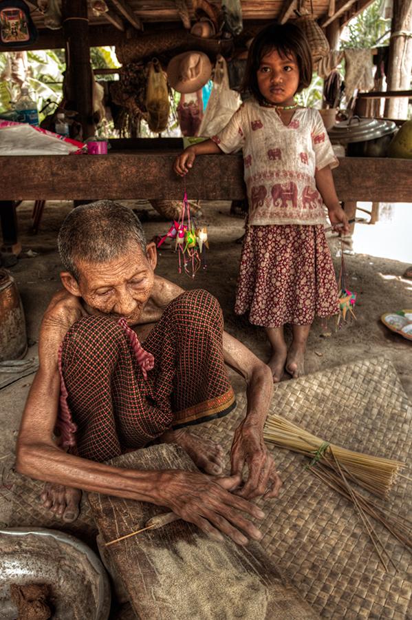 Kambodža s fotografem - Ruční výroba vonných tyčinek