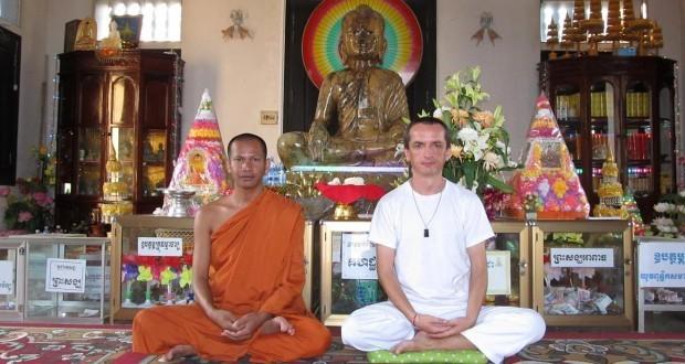 Kambodža - Wat Kultoteng - Buddhistický mnich Mettá