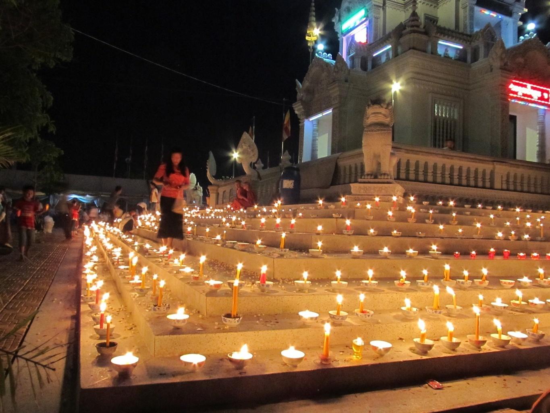 Oslava svátku Vesak - Wat Kultoteng - Kambodža