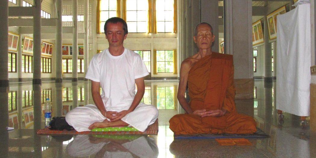 Wat Tham Puang meditace