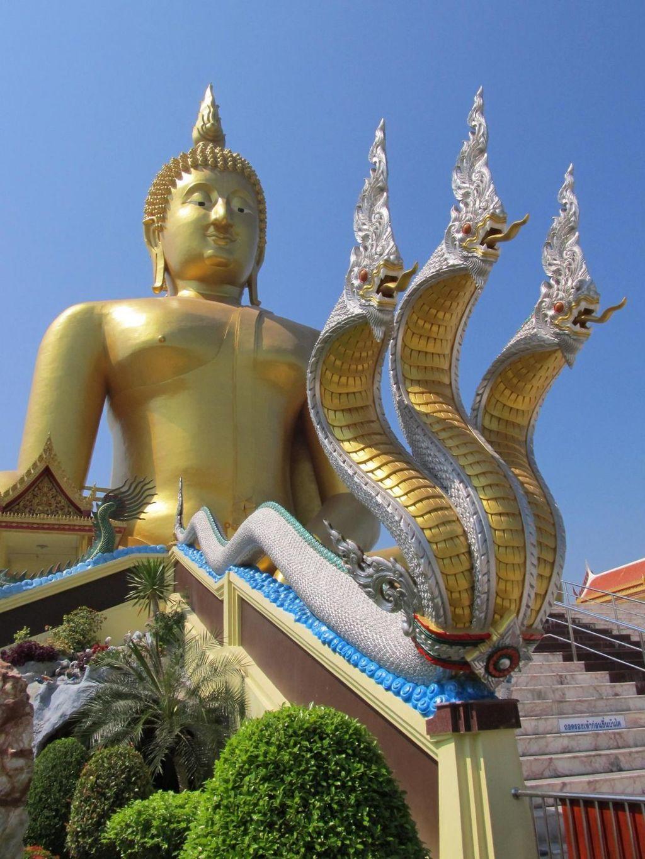 Wat muang Naga jako ozdoba schodiste