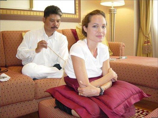Ajarn Noo Kanpai proslavila před deseti lety Holywoodská hvězda Angelina Jolie