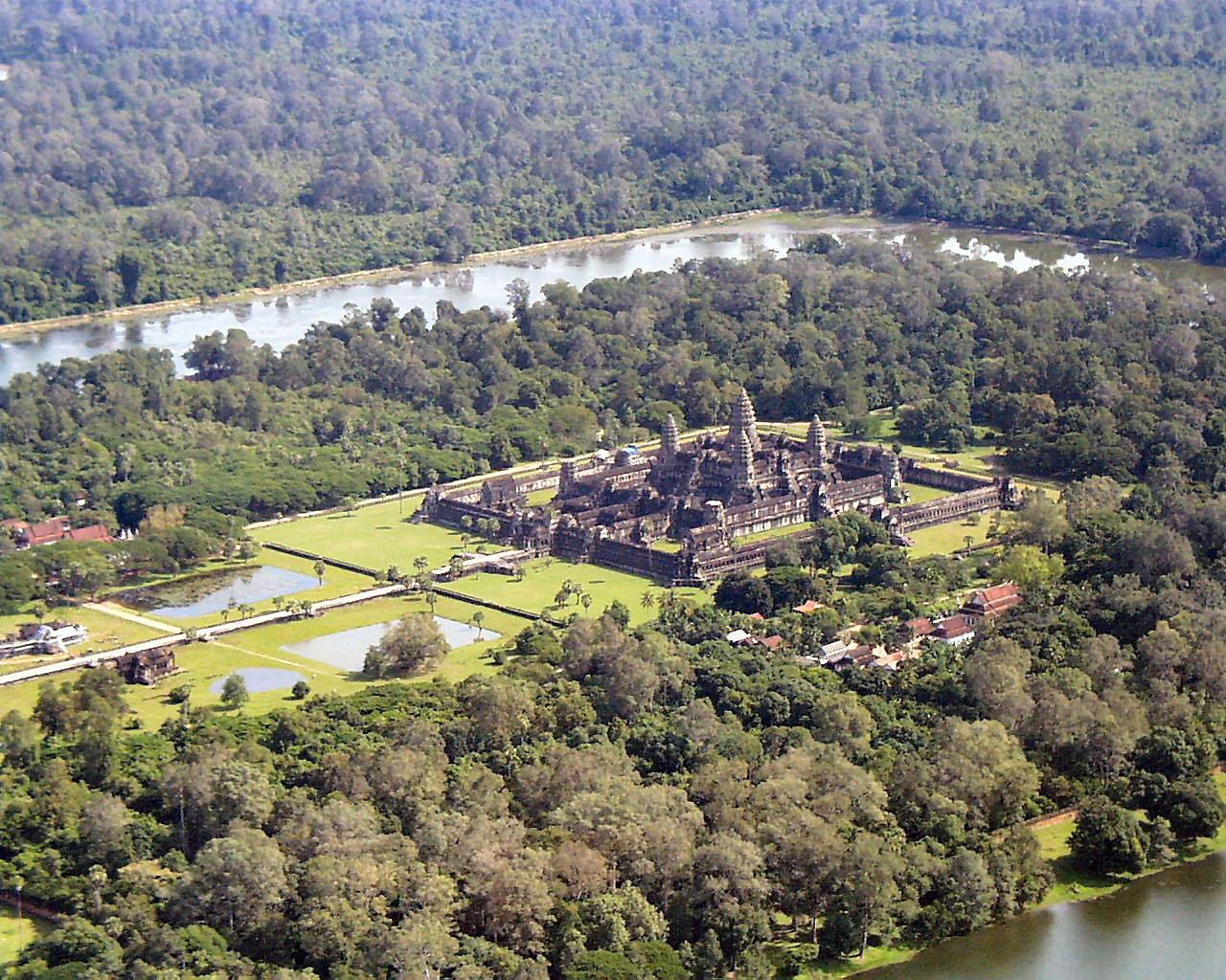 Angkor Wat pohled z helikoptéry