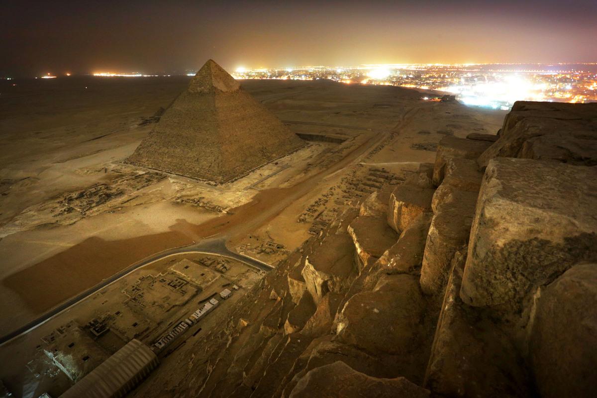 Pohled z Cheopsovy pyramidy