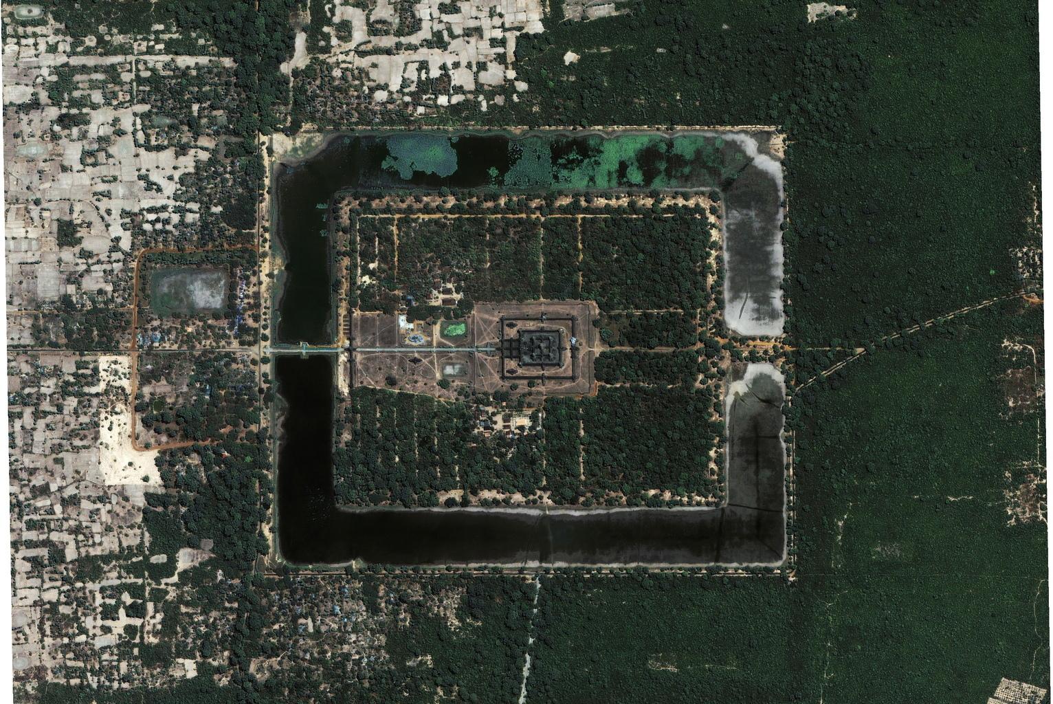 Angkor Wat satelitní fotografie v HD