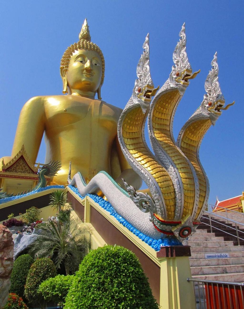 Nága a Buddha ve Wat Muang Thajsko