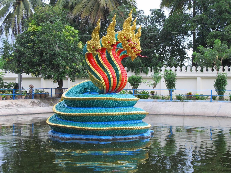 Vodotrysk Nága - Wat Muang - Thajsko