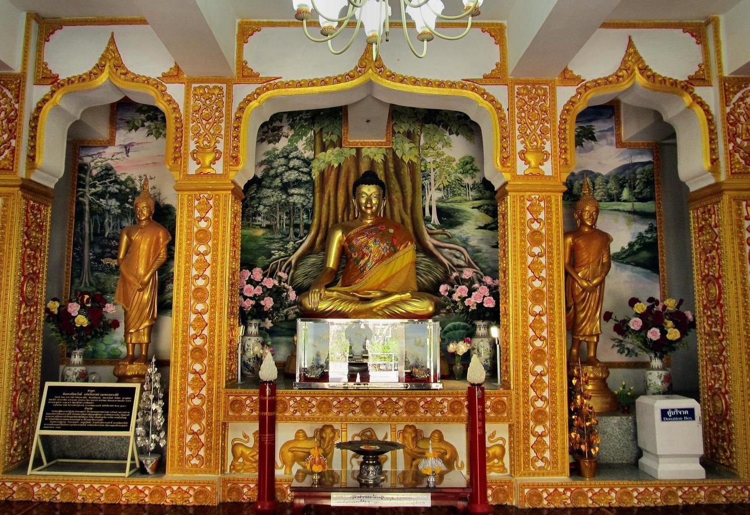 Wat Tham Puang - kopie Buddhy v Bódhgaja - Thajsko