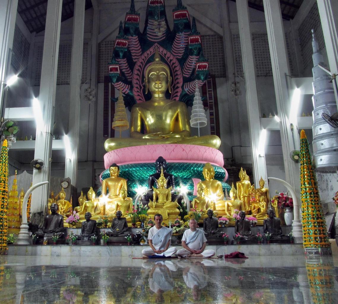 Wat Tham Puang - meditace Vihan
