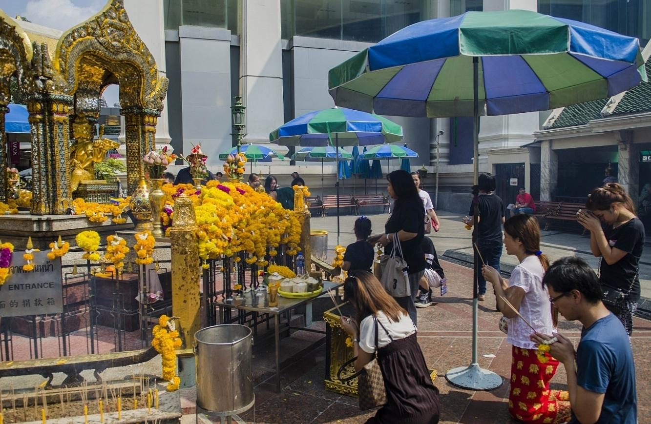 Svatyně Erawan Bangkok Thajsko