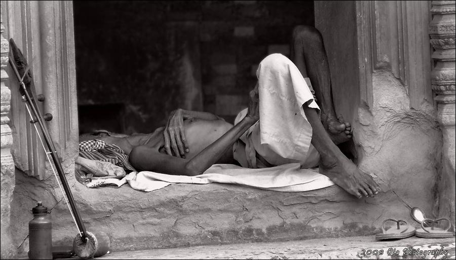Jára Cimrman - Ležící spící v East Mebon - Kambodža