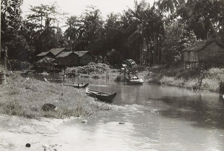 Jára Cimrman - Mistrova letní rezidence a loď v Siem Reap - Kambodža