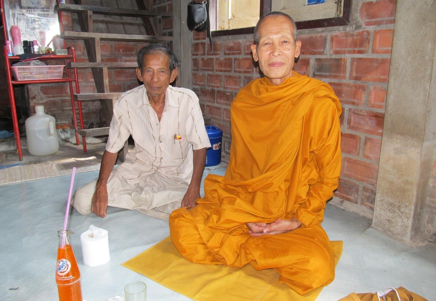 Thajský stařík a Loon