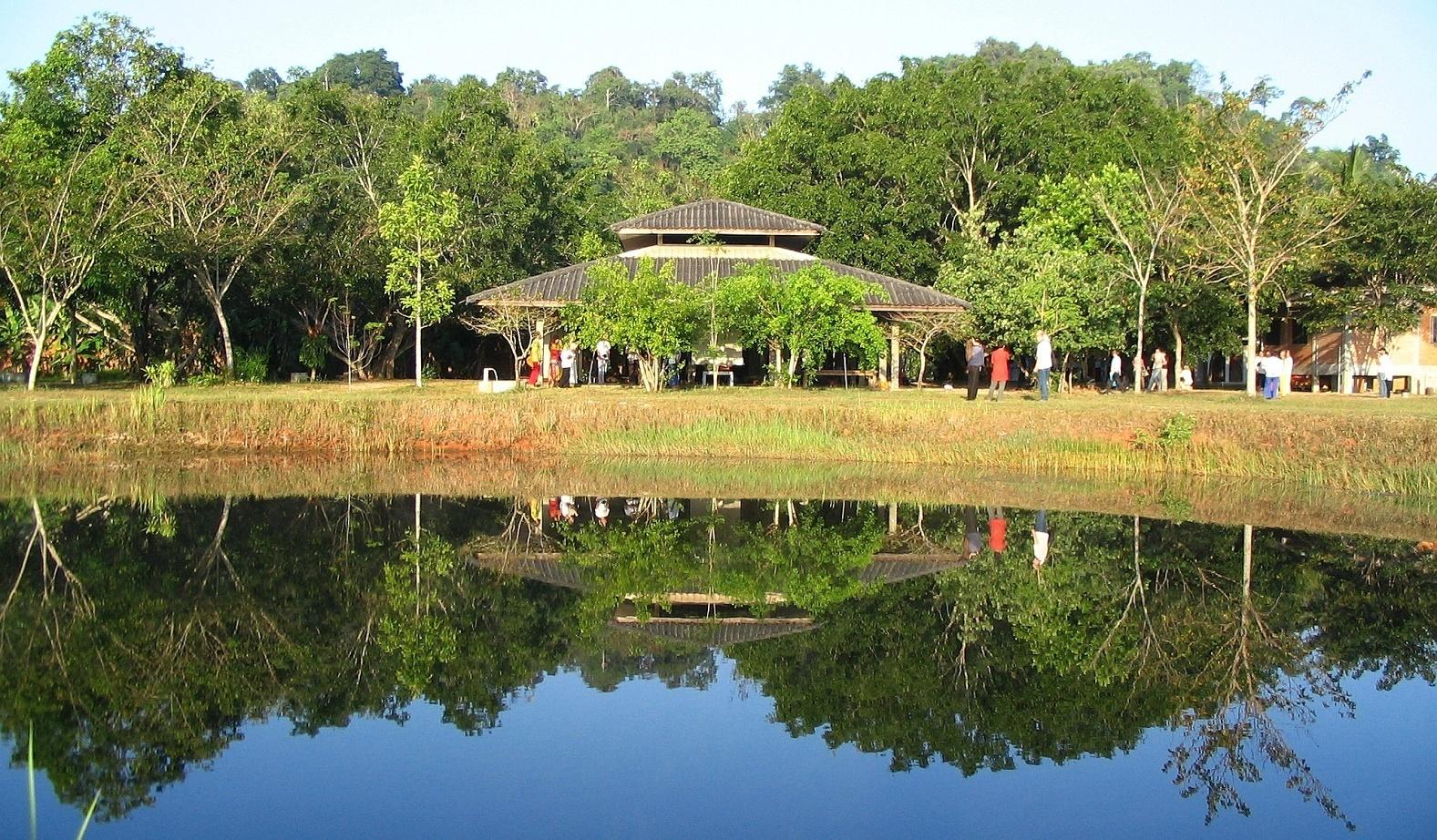 Meditační hala Wat Suan Mokkh - Thajsko