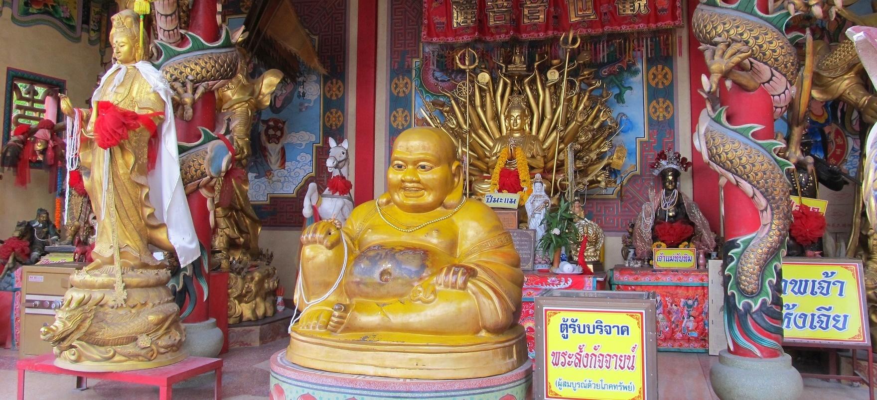 Čínský Buddha - Wat Phanan Choeng Worawihan - Ayutthaya - Thajsko