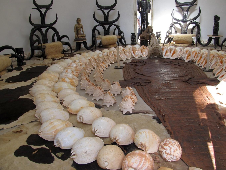 Lastury, kůže, rohy - Černý klášter - Chiang Rai - Thajsko