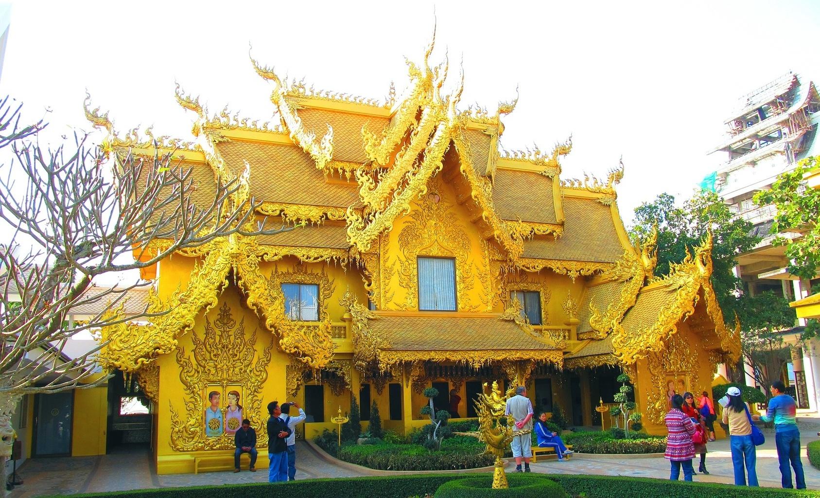 Zlaté toalety - Wat Rong Khun - Chiang Rai - Thajsko