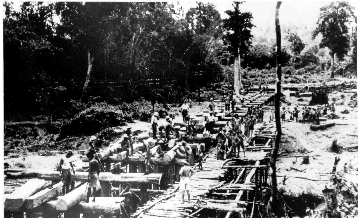 Barma - Spojenečtí zajatci staví železnici