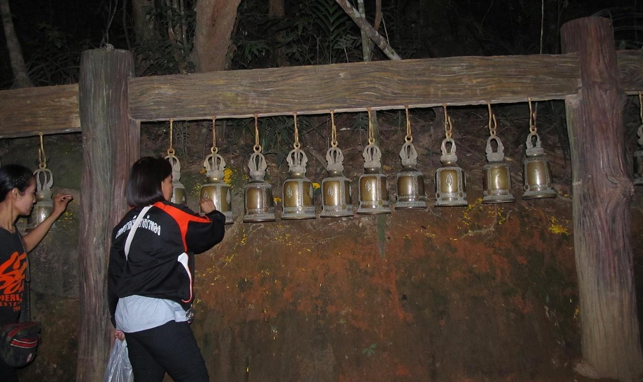 Khao Kitchakut - posvátné zvony