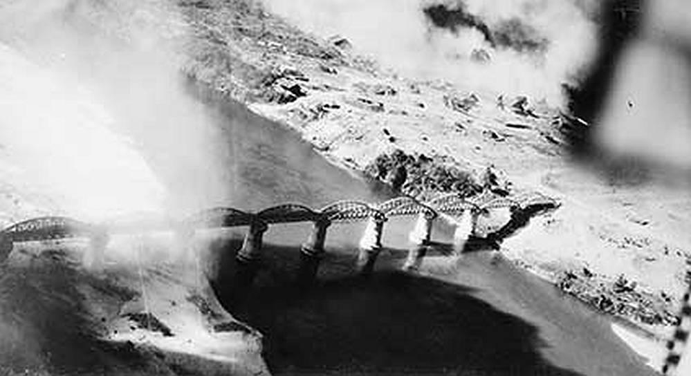 Letecký snímek Mostu přes řeku Kwai