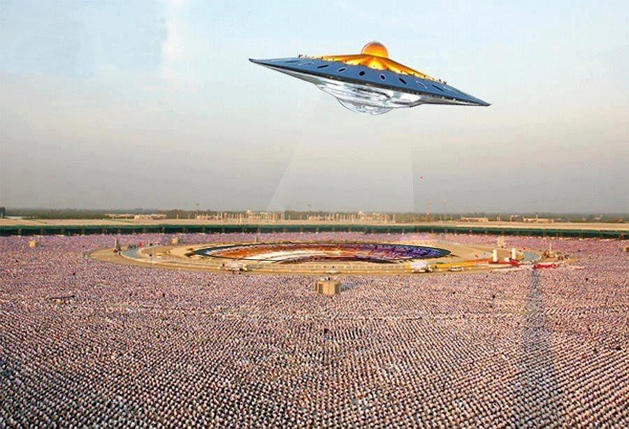 Dhammakaya UFO (fotomontáž)