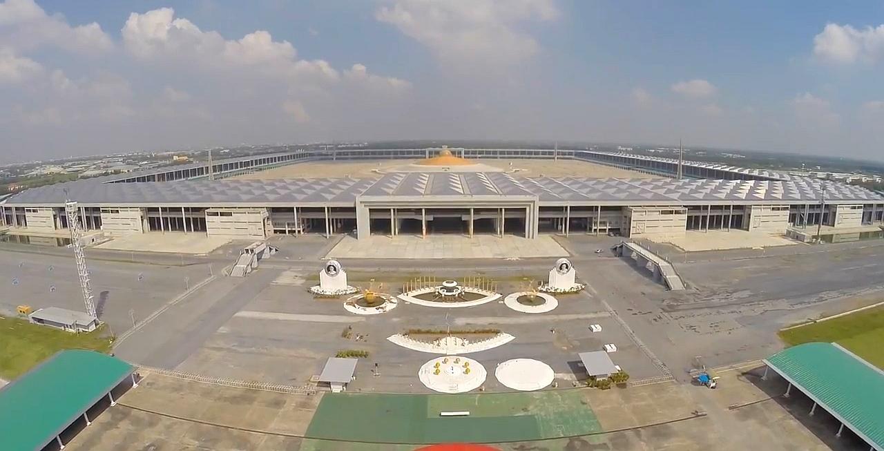 Meditační stadion - Wat Phra Dhammakaya - Thajsko.