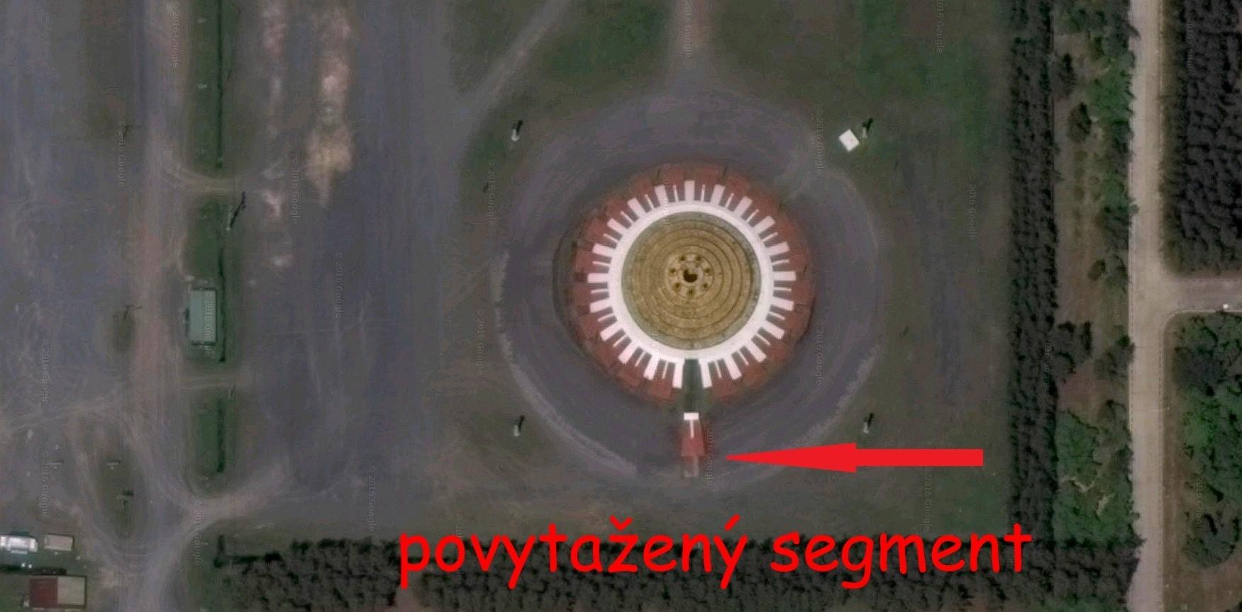 Satelitní fotografie neznámého objektu v Oblasti 60 - Wat Phra Dhammakaya