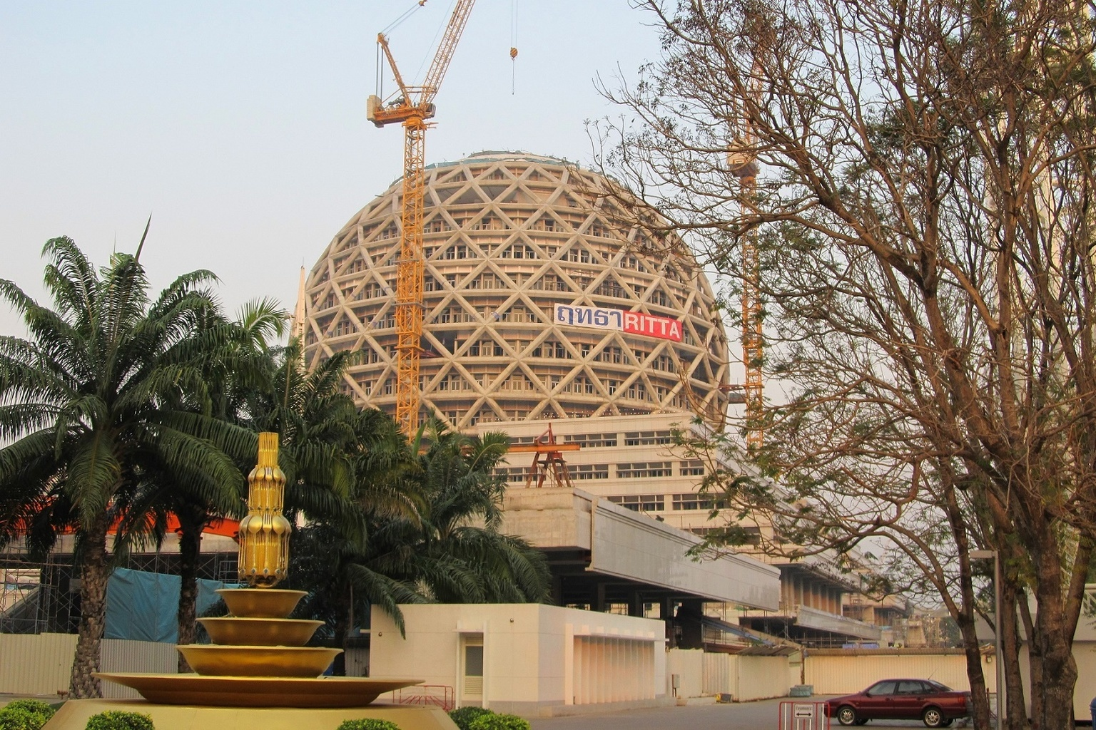 Stavba leden 2015 Wat Phra Dhammakaya - Thajsko