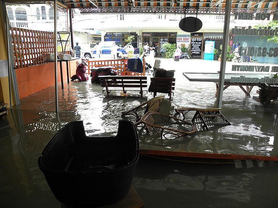 Povodeň v recepci Bon Bon