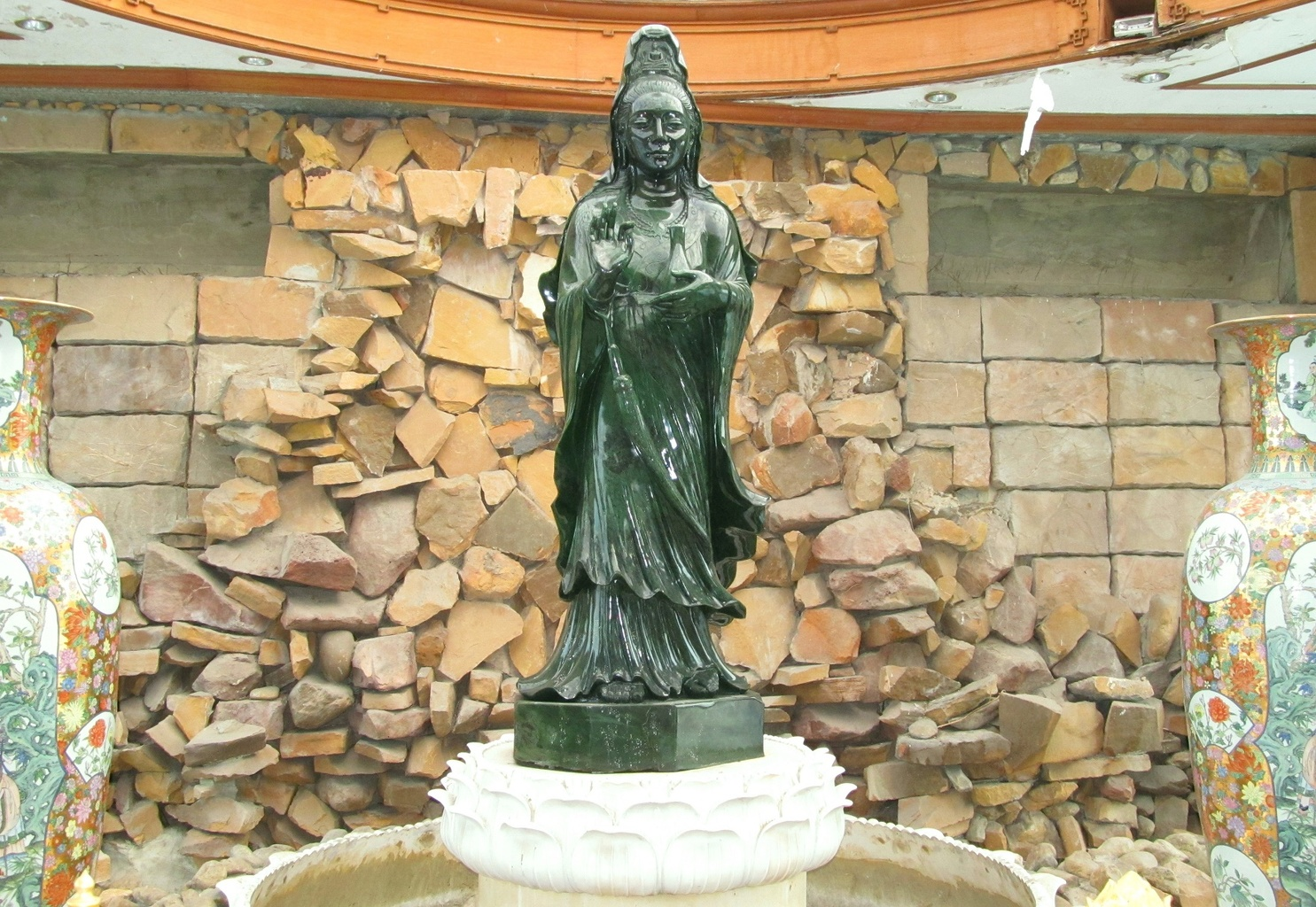 Nefritová Kuan Jim - Wat Dhammamongkol