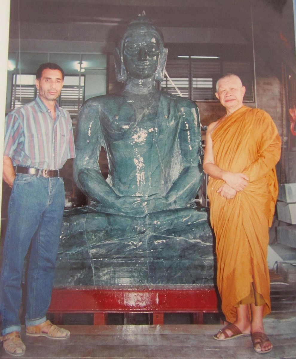 Nefritový Buddha těsně před dokončením