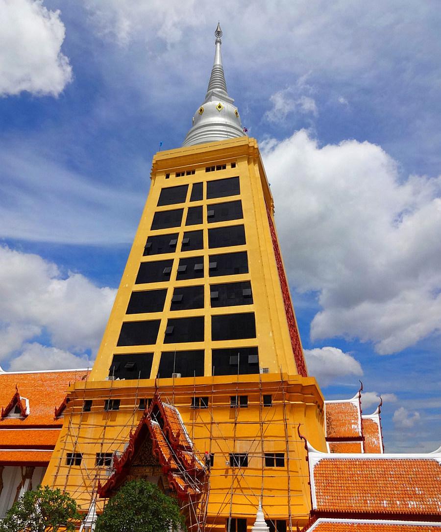 Rekonstrukce nejvyššího čedí v Thajsku - Wat Dhammamongkol
