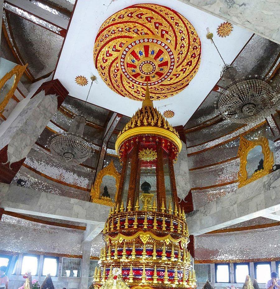 Schránka obsahující relikvie a vlasy buddhy