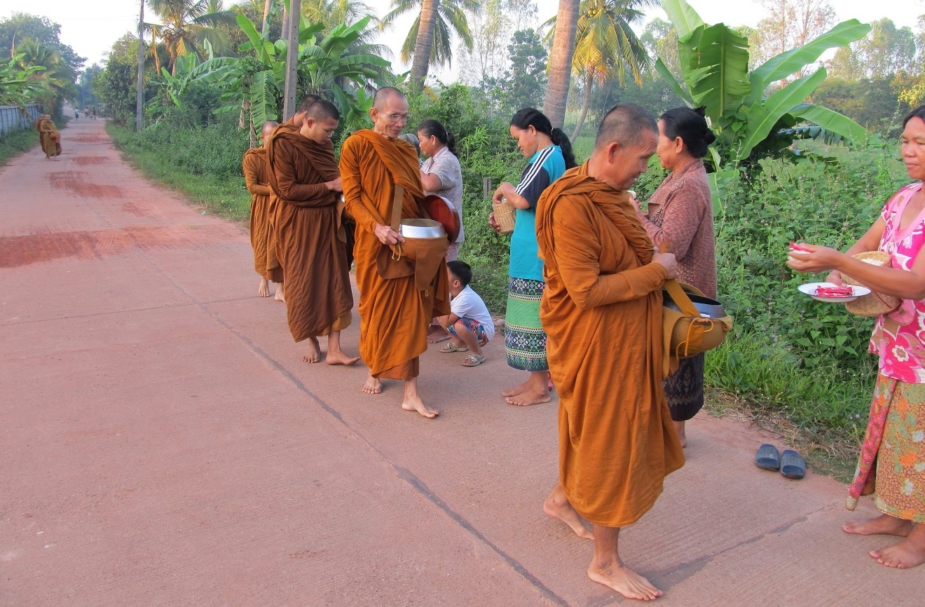 Isán Wat Tham Puang