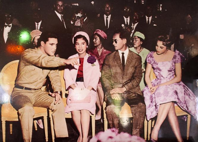 Thajský Král Ráma IX. a Elvis Presley 1960